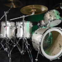 Stan Lynch, Tom Petty and the Heartbreakers drum set