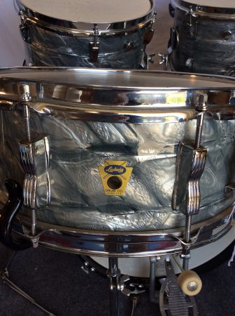 Ludwig Transition badge Sky blue pearl